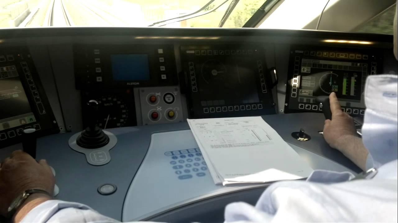 Viaggio a 300 km h nella cabina di guida di ntv italo for Pulitore di cabina