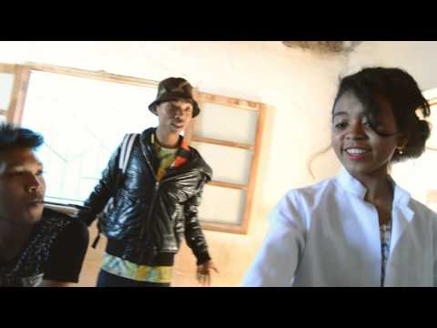 clip officiel EFA MIEZAKA KAH YLL feat J-FANHI (SK'ART MADA 2016)