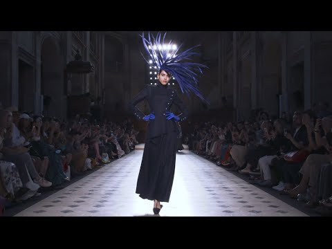 Fashion - Haute Couture, winter 2019/2020: Digital innovation no substitute for couture workshops