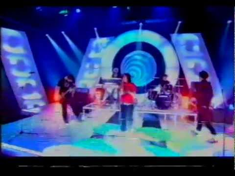Ashlee Simpson - LaLa Live @ Top of The Pops Saturday.