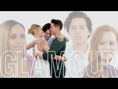 «Ривердэйл»: актеры сериала проходят тест на дружбу