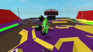Roblox Monster Jam: Crashes and saves 3