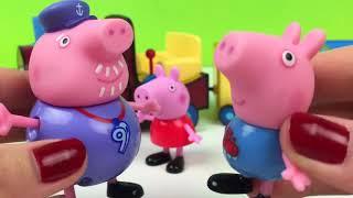 AVENTURA EN EL PARQUE DE DINOSAURIOS CON PEPPA PIG GEORGE Y ABUELO PIG EN EL TREN JUGUETE