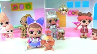 Куклы Лол Мультик! Семейки лол из большой коробки с капсулами Lol Surprise Families Видео для детей
