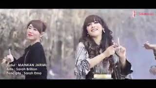 Download Video Mainkan Jarimu (Goyang Pantat) - Sarah Brillion MP3 3GP MP4