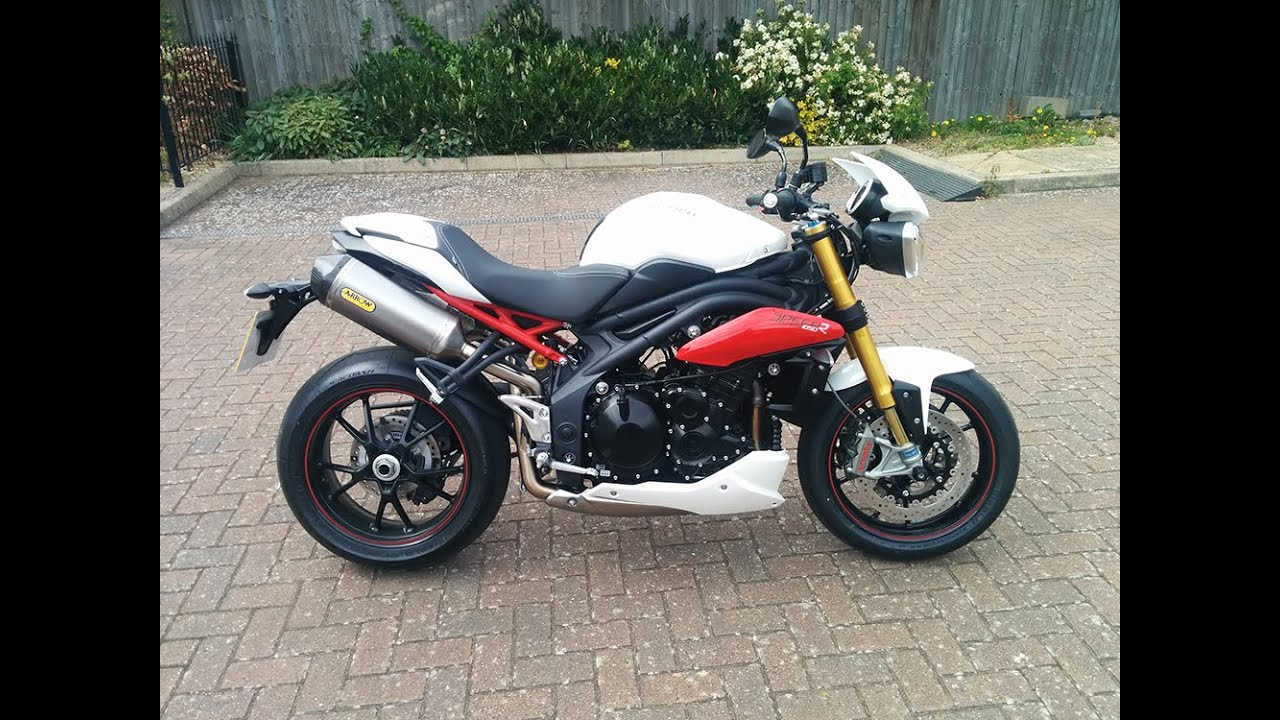 2015 triumph speed triple r abs 1050cc review w o baffles. Black Bedroom Furniture Sets. Home Design Ideas