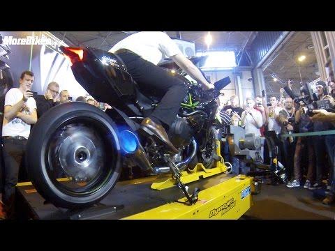 Motorcycle Live - 326bhp Kawasaki Ninja H2R spits flames on rolling road dyno BEST VIDEO!