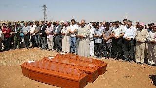 В Кобани прошли похороны утонувших детей(В сирийском городе Кобани прошли похороны трехлетнего Айлана Курди, его брата и матери, которые утонули..., 2015-09-04T13:21:07.000Z)