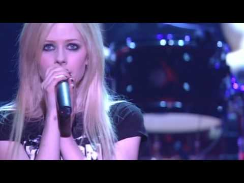 Avril Lavigne - Fall To Pieces Bonez Tour