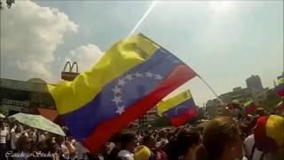 Nacho Ft. Los Fantasticos - Valiente 1 Septiembre (Venezuela)(Cancion de Nacho con los Fantasticos, Dedicada a toda la gente luchadora de Venezuela. Hermosa Canción, Magnifica Letra Visuales por parte de Rokoso ..., 2016-08-30T00:05:56.000Z)
