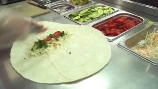 Как готовится шаурма на углях в Shaurma club(Посмотрите небольшое видео, как мы делаем нашу шаурму. На видео показан процесс приготовления шаурмы в..., 2016-10-17T13:01:56.000Z)