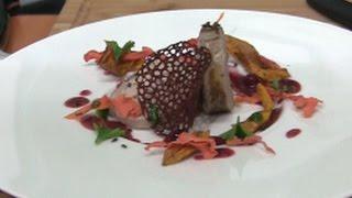Суфле из цесарки с соусом из брусники и черного перца. Бунтари Уральской кухни