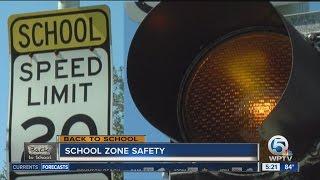 Baixar School zone safety tips