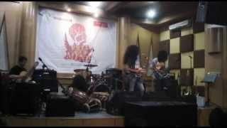Orkes Perjaka Madu - Santai (cover). Live at Chics Music Rawamangun 2014