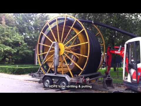 HDPE tube, drilling & pulling ~ Mantelbuis boren en trekken