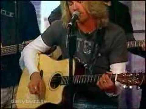 A Different World - Bucky Covington (The Daily Buzz)