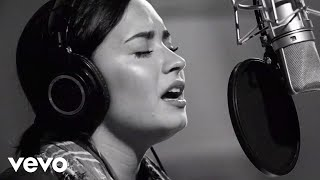 Скачать Demi Lovato Stone Cold Live In Studio