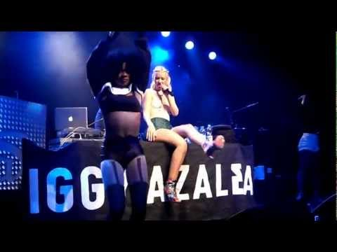 Iggy Azalea - Drop That, Pussy (Live) (Support Act von NAS, 22.03.2013 Heidelberg Halle02)