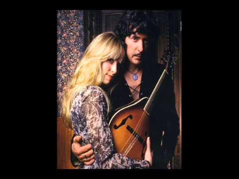 432 Hz - Blackmore's night: Street Of Dreams