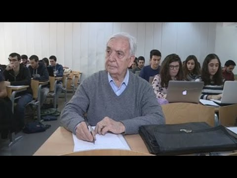 80-year-old Spaniard to study abroad with the Erasmus program
