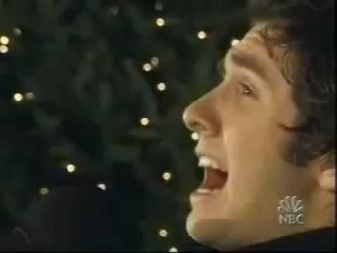 "Josh Groban - ""O Holy Night"" - Rockefeller Center (2002)"