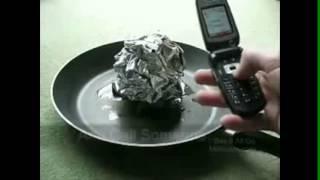 Видео: почему не следует звонить на АЗС(, 2012-09-19T12:22:58.000Z)