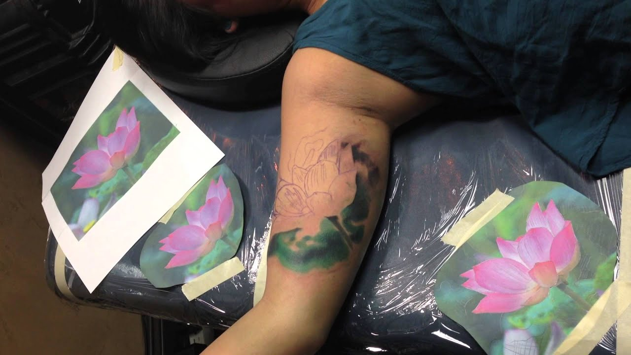 Color photo realism lotus flower tattoo by london reese youtube color photo realism lotus flower tattoo by london reese izmirmasajfo