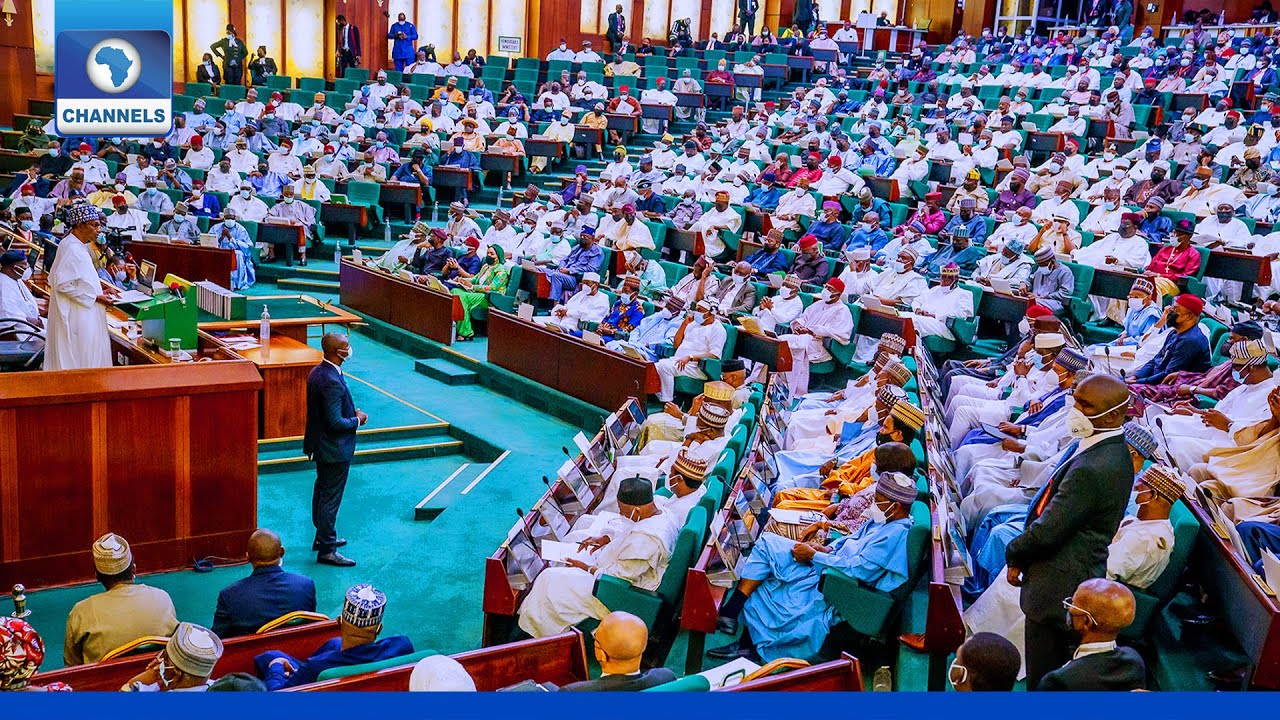Download 2022 Budget: President Buhari Makes Presentation To NASS