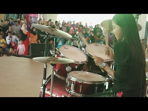 Avenged Sevenfold - Carry On LIVE Drum Cover by Nur Amira Syahira (SOUQ)