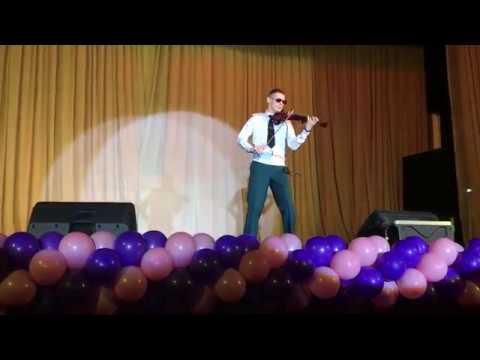 Алексей Федоренко (скрипка) солист Ансамбля песни и пляски ЗВО
