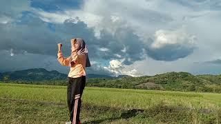 Download lagu Senam irama dance monkey
