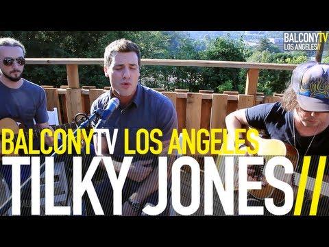 TILKY JONES - KEEP ON RUNNING (BalconyTV)
