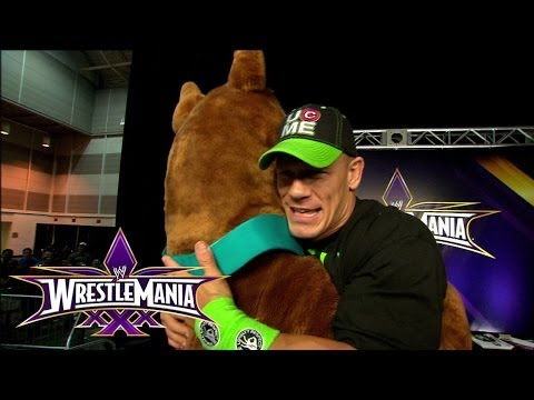 Scooby Doo hangs out with the WWE Universe at WrestleMania 30 Axxess