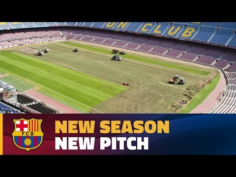 Time-lapse: how the new pitch is delivered at Camp Nou