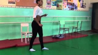 обучающее видео! Как сделать прыжок в шпагате?) Даяна Ерёмина!;)