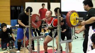 井上雄介選手(67.5級Nギア)スクワット205キロ