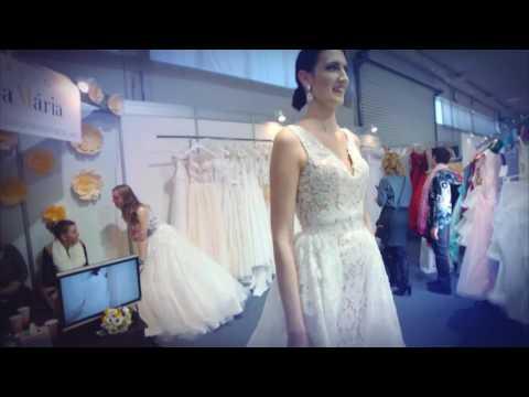 21573cf77d2 SKÚŠANIE SVADOBNÝCH ŠIAT   TRYING ON WEDDING DRESSES   STYLE OF ...