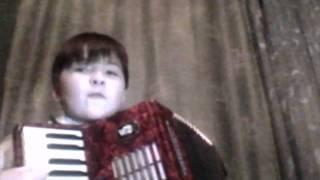 Второй урок игры на аккордеоне
