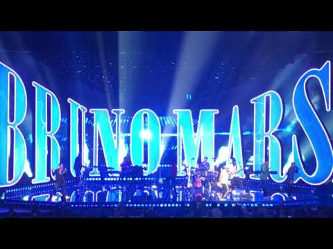 Bruno Mars - 24K Magic - Live Las Vegas...