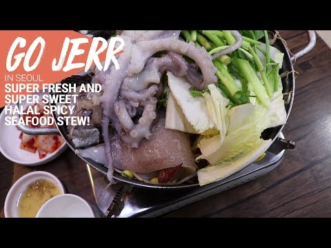 We try LIVE OCTOPUS and halal spicy seafood stew at Busan Jib!