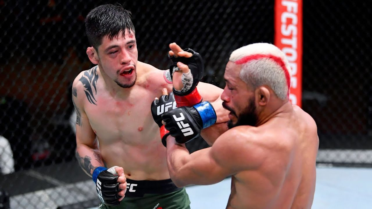 What adjustments should Brandon Moreno make in the Deiveson Figueiredo rematch?