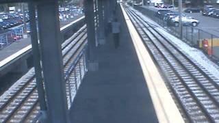 Transit police searching for robbery suspect