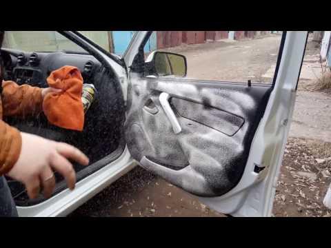 Простой способ очистить салонный пластик в автомобиле.