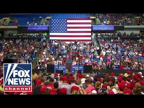 Trump holds \'Make America Great Again\' rally in PA