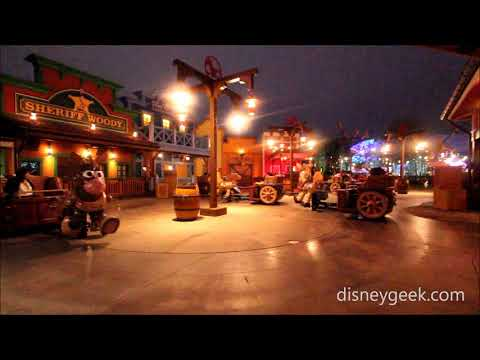 Shanghai Disneyland: Toy Story Land - Woody's Roundup