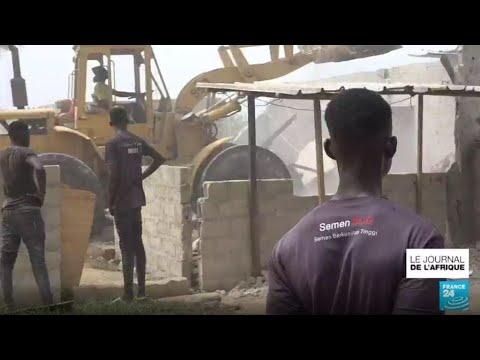 À Abidjan, les habitants démunis après la destruction du quartier jouxtant l'aéroport