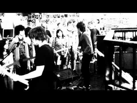 """Autolux perform """"Turnstile Blues"""" live at Waterloo Records in Ausitn, TX"""