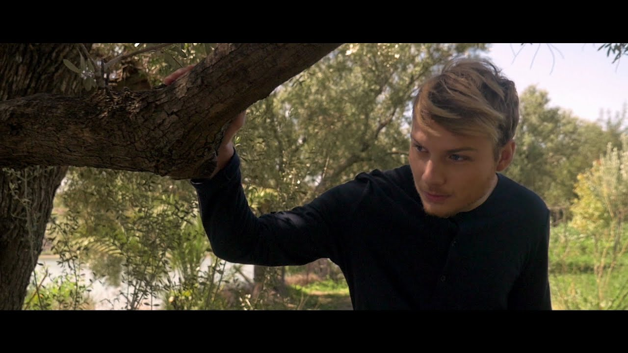 Romain Ughetto - En Extasie (Clip Officiel)