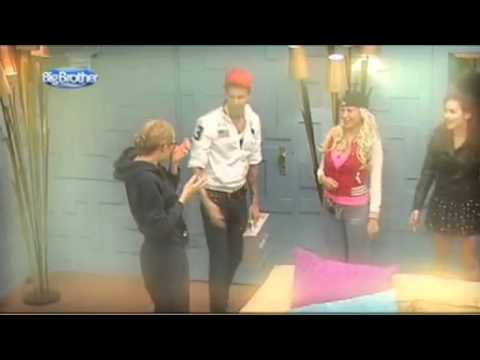 Florian Wess Bei Big Brother Tag 1 24052011 Youtube