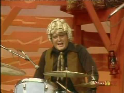 Buck Owens & The Buckaroos - Along Came Jones